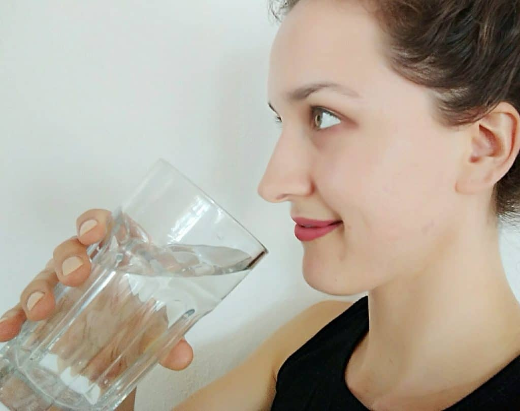 How to be in a better mood: Drinking a big glass of water