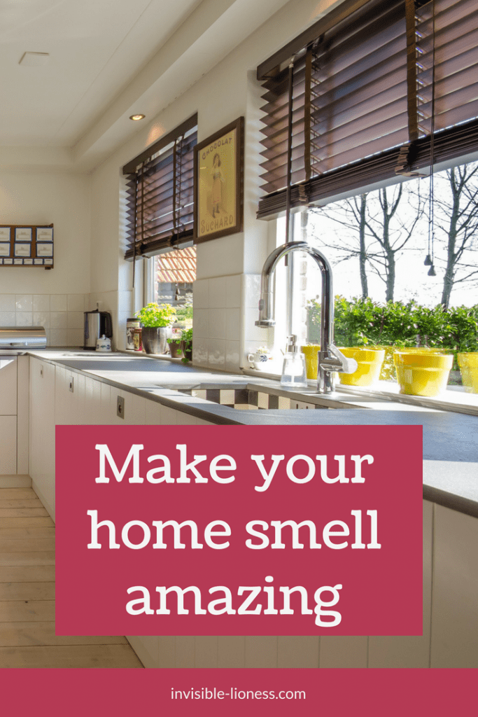 Looking for ideas to make your home smell good? Check out this cleaning hack to have a good smell in your house all day long. #cleaningtips #cleaning #hacks